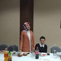 Dr. Ayşe Zeynep Turan, Dr. Hasan Hüseyin Can'a Sivil Toplum Kuruluşlarına gösterdiği ilgi ve destek için teşekkür ederken