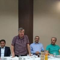 Körfez Marmara Hastanesi Yönetim Kurulu Başkanı Esener Maçil,  Dr. Hasan Hüseyin Can'a Körfez için yaptıkları için teşekkür ederken