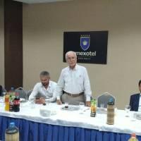 Son Kuruçeşme Belediye Başkanı Ali Kahraman, Dr. H. Hüseyin Can'a yeni görevinde başarılar dilerken