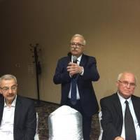 İGSAŞ Genel Müdürü Turan Tok emekliliğe uğurlananlara hizmetleri için teşekkür ederken