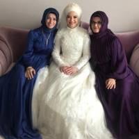 Üç kardeş birarada: Diş Hekimi Elif Turan Genç, Dr. Ayşe Zeynep Turan, Göğüs Hastalıkları Uzmanı Dr. Fatma E. Turan Taşolar