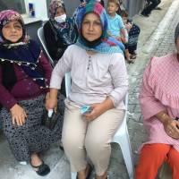 Nezaket Genç(eşi), Gülçin Şahmar(kızı), Gülizar Genç(gelini)