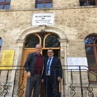 Ahsen Okyar ve Necati Pilavcı Taraklı Gazi Süleyman Paşa Camii balkonunda