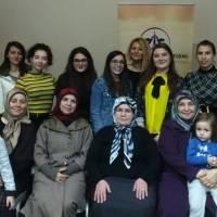 Ece Akdeniz toplantıya katılan hanımlar ile..